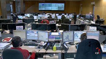 El 112 de Castilla y Le�n gestiona 3.500 llamadas cada d�a