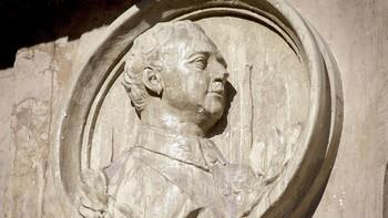 Patrimonio asegura que no existen razones para mantener la efigie de Franco en la plaza Mayor de Salamanca