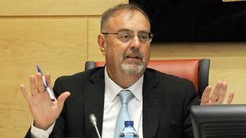 Rey asegura que el crecimiento futuro de las universidades públicas pasa por aumentar los postgrados