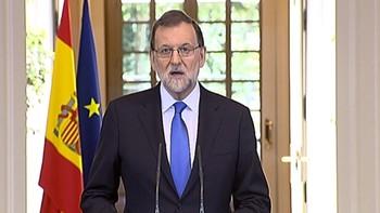 Rajoy dice que actúa para proteger a los catalanes de un proyecto 'divisivo que se intenta imponer a las bravas'