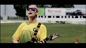 Clubes de fútbol, balonmano, hockey, rugby y baloncesto adaptado de Valladolid, en un vídeo con Celtas Cortos