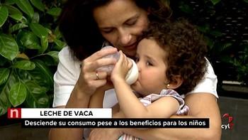 Los expertos desaconsejan alimentar a los niños con leches vegetales
