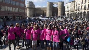 'Las mujeres de la Nissan' visibilizan la situación de la fábrica y reclaman su continuidad