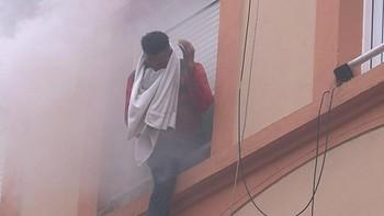 Un incendio obliga a desalojar un edificio en Ponferrada y 7 personas resultan heridas
