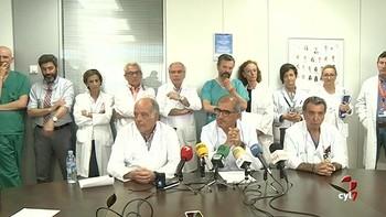 Los jefes de los servicios quirúrgicos del HUBU defienden la gestión de la responsable que ha dimitido