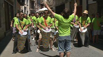 La localidad vallisoletana de Tordesillas vibra a ritmo de samba