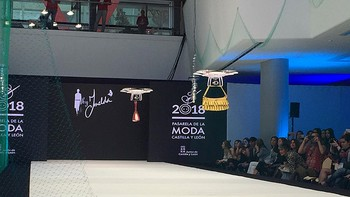 Colores vivos, drones y bolsos reconvertidos en prendas dan inicio a la XXI Pasarela de la Moda de Castilla y León