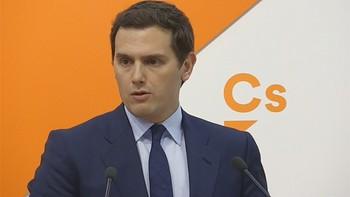 Rivera ofrece a Rajoy pactar elecciones en otoño o apoyaría una moción con un candidato independiente