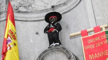 El Manneken Pis de Bruselas luce la indumentaria tradicional de segoviano