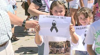 La plataforma ciudadana de Cabez�n pide la construcci�n de una pasarela provisional