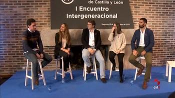 Mañueco promete que se dejarán la piel por los jóvenes pero les pide que 'arriesguen' por Castilla y León