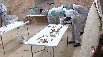 Los investigadores que buscan a Cervantes encuentran un f�retro con las iniciales M. C.