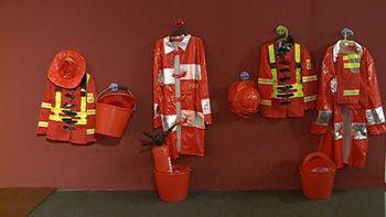 Una exposición repasa la historia de los bomberos