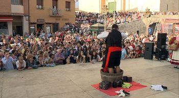 Miles de personas acuden a la XXXV Feria de la Vendimia de Cigale...