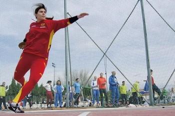 Sabina Asenjo reina en el deporte berciano
