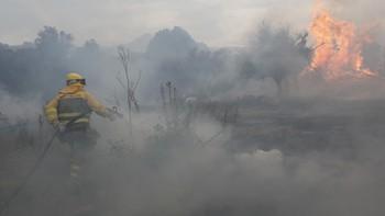 El incendio de Navarredonda de Gredos (Ávila) sigue activo y en nivel 1 de peligrosidad