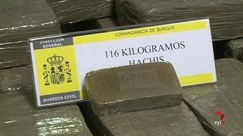 Detienen a un varón que viajaba con 116 kilos de hachís en la A-1, cerca de Bahabón de Esgueva, Burgos
