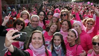 Más de 7.000 mujeres participan en la 'Carrera de la Mujer' en León contra el cáncer de mama