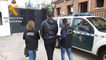 Tres detenidos por un supuesto delito de secuestro en grado de tentativa y lesiones en Arenas de San Pedro