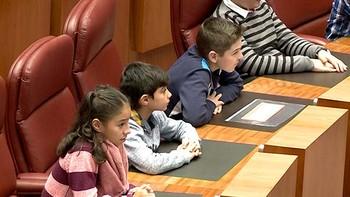 Los niños de Castilla y León se convierten en procuradores de la Cortes