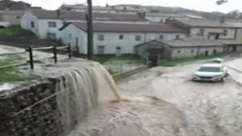 Una tremenda tromba de agua arrasa La Ercina en León
