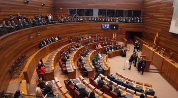 El Parlamento auton�mico concede su Medalla de Oro a las v�ctimas del terrorismo