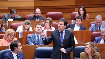 La Junta defiende el cambio de tendencia en materia de empleo juvenil con la creación de casi 9.000 puestos de trabajo en la legislatura