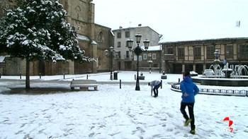La nieve llega con fuerza al norte de Palencia