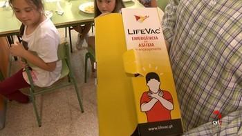 El colegio de Valverde del Majano de los primeros en adquirir un dispositivo anti-atragantamiento