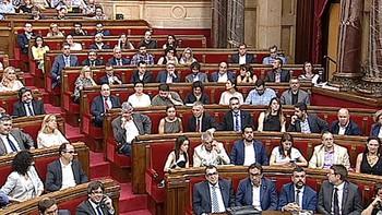 El Parlament aprueba un proceso constituyente para romper con Espa�a pese al veto del TC
