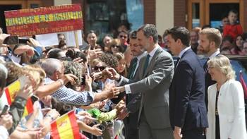 La simpatía de Felipe VI cautiva a Aguilar de Campoo