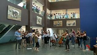 Música sinfónica en directo, en el vestíbulo del Hospital Río Hortega de Valladolid