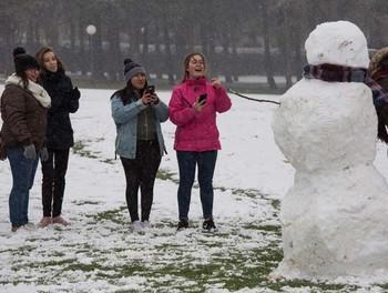 La primera nevada deja a 177 alumnos de Burgos, León, Palencia y Soria sin poder acudir a clase