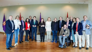 Castilla y León se dota de la primera Ley en España para alcanzar la 'pobreza cero'