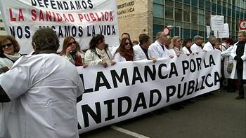 La Plataforma de Salamanca para la Defensa de la Sanidad Pública anuncia una nueva 'Marea blanca' para el 8 de enero