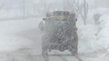 La nieve dificulta el tráfico en varios tramos montaña de las provincias de León y Salamanca