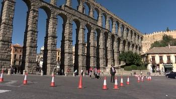 El Ayuntamiento de Segovia trabaja en una ordenanza para proteger del tráfico al Acueducto