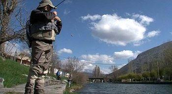 Las aguas no acompa�aron en el VIII concurso de pesca a lance de Velilla del R�o Carri�n