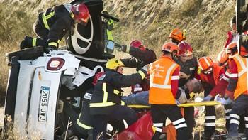 Dos heridos graves tras el vuelco de un turismo en la A-62 a la altura de Carpio de Azaba