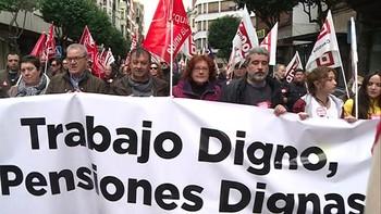Miles de personas salen a la calle en Castilla y León para exigir el refuerzo del sistema de pensiones