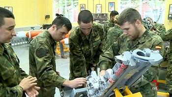 Las Cortes reclaman la plena integración laboral de los militares que abandonan las Fuerzas Armadas
