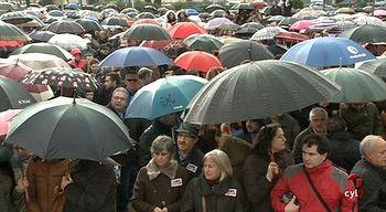 Miles de burgaleses arropan a los trabajadores de Campofr�o en una concentraci�n