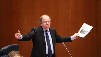 Herrera califica de 'escándalo' el cierre de Vestas en Villadangos y aboga por 'europeizar' el conflicto