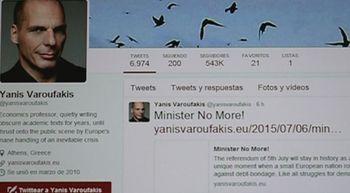 El ministro de Finanzas de Grecia anuncia su dimisi�n