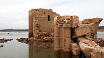 Los capiteles románicos dejan Cenera de Zalima para lucir de nuevo en Aguilar, Palencia