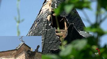 Un rayo parte la torre de la parroquia de La Milla del R�o en Le�n