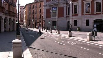El centro de Valladolid se queda sin coches para paliar la contaminación