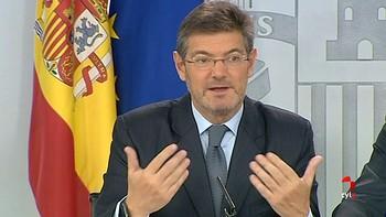 Jueces y fiscales piden la dimisión de Catalá por la 'temeridad' de sus críticas al juez de 'La Manada'
