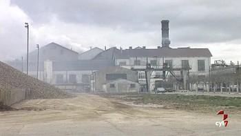 Invierten 120.000 euros para retirar residuos en la antigua azucarera de Venta de Baños, Palencia