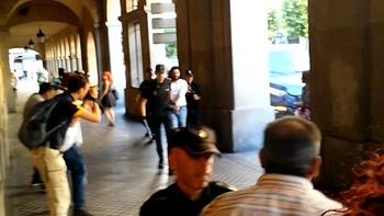 Familiares y amigos de la víctima intentan agredir al acusado del asesinato del Paseo de la Estación en Salamanca